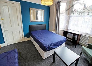 Thumbnail Room to rent in Hatfield Road, St.Albans