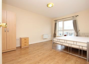 3 bed shared accommodation to rent in Windmill House, Docklands E14