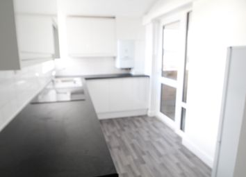 Thumbnail 5 bed flat to rent in Abingdon Close, Camden Square, London