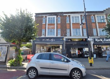 2 bed flat to rent in Jubilee Parade, Woodford Green IG8