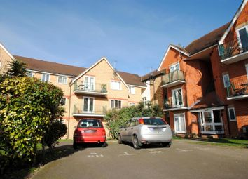 Thumbnail 1 bedroom flat to rent in Victoria Avenue, Southend-On-Sea