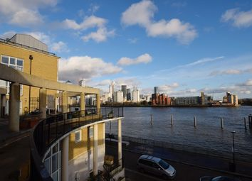 3 bed flat to rent in Princes Court, Canada Water SE16