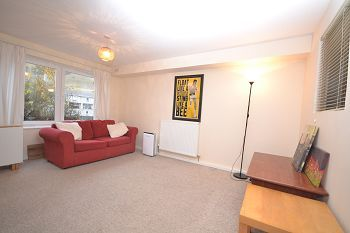 Thumbnail 1 bed flat to rent in Viewcraig Gardens, Edinburgh Available 19th July