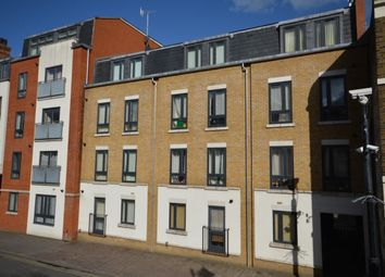 2 bed flat to rent in High Street, Rochester ME1