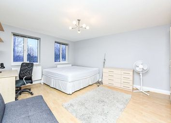 1 bed property to rent in Vallance Road, Whitechapel, London E1