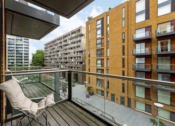 Thumbnail 2 bed flat for sale in Hirst Court, Grosvenor Waterside, 20 Gatliff Road, London