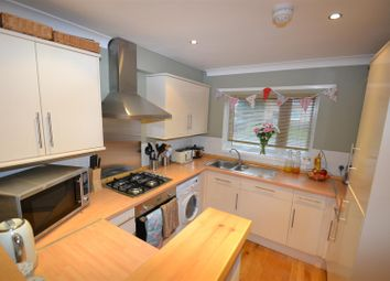 Thumbnail 3 bed property for sale in Chaffinch Way, Horley