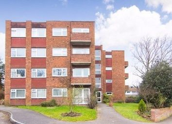 2 bed flat to rent in Cranes Drive, Surbiton KT5