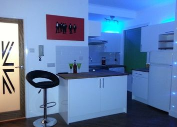 Studio to let in Vale Heights