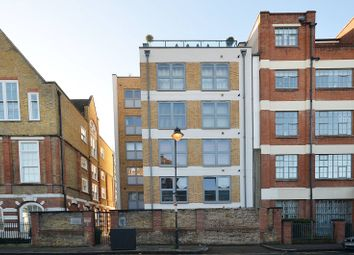 Thumbnail 1 bed flat to rent in Shepperton Road, De Beauvoir Town
