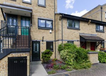 2 bed maisonette for sale in Falcon Way, Isle Of Dogs, London E14