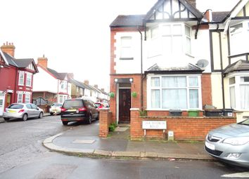 Thumbnail 3 bed terraced house to rent in Chatsworth, Luton