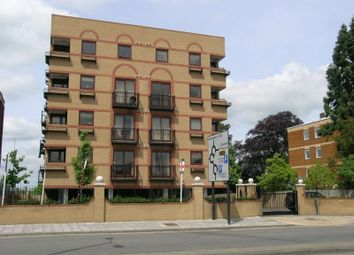 Thumbnail 1 bed flat to rent in Chiltern House Oxford Road, Aylesbury