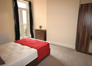 Thumbnail Room to rent in St Peters Avenue, Kettering