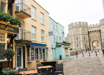 Thumbnail 2 bed flat to rent in Church Street, Windsor