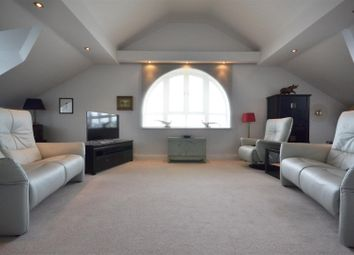 Thumbnail 3 bed flat for sale in The Penthouse, West Park Close, Stratford-Upon-Avon