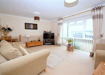 Thumbnail 2 bedroom flat for sale in Third Avenue, Margate, Kent