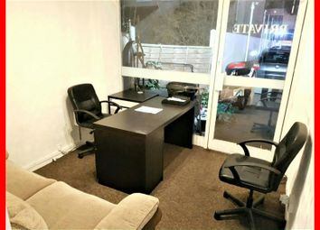 Serviced office to let in Greenlane, Ilford IG3