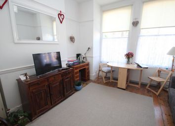 Thumbnail 2 bed flat to rent in Tredown Road, Sydenham