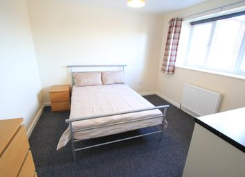 Thumbnail Room to rent in Swinburne Close, Stafford, Staffordshire