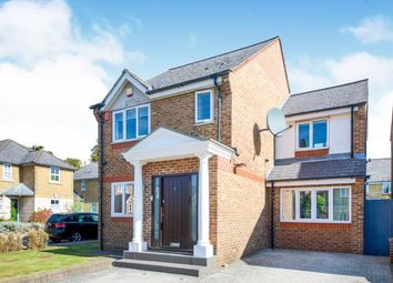 3 bed detached house for sale in Earl Close, London N11