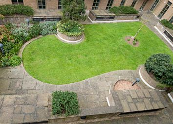 1 bed flat to rent in The Circle, Queen Elizabeth Street, London SE1