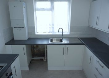 Thumbnail 2 bed flat to rent in Southwood Road, London