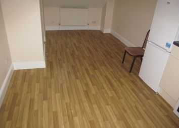 Thumbnail 1 bed flat to rent in Gloucester Road, Reading