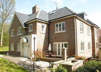Thumbnail 2 bedroom flat to rent in Park Grove, Knotty Green, Beaconsfield