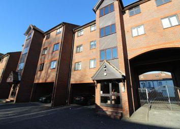 Thumbnail 2 bedroom flat for sale in Nightingale Court, Waldeck Road, Luton