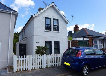 Thumbnail 3 bedroom detached house to rent in Elms Road, Fleet