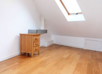 Thumbnail 3 bed flat to rent in Pages Lane, London