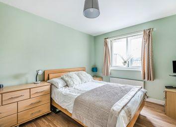 2 bed flat for sale in Denham Road, London N20
