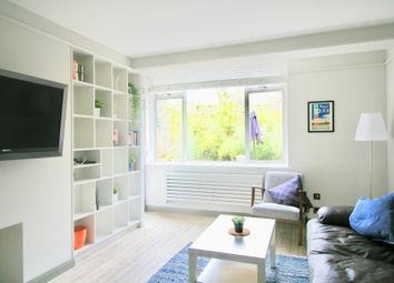 Thumbnail 3 bed flat to rent in Alwyne Square, London
