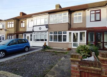 Thumbnail 3 bedroom property to rent in Findon Gardens, Rainham