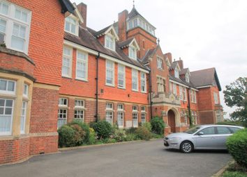 Caxton Lane, Oxted RH8. 1 bed flat