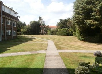 Thumbnail 2 bed flat to rent in Hemingford Road, Cheam, Sutton