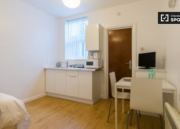 Thumbnail Studio to rent in Chaplin Road, London