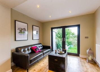 Thumbnail 2 bed flat to rent in Rollscourt Avenue, Herne Hill