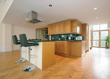 Thumbnail 2 bedroom flat to rent in Earl's Court Square, London