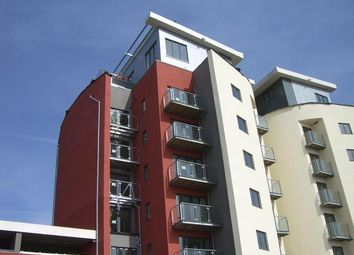 Thumbnail 1 bed flat to rent in Kings Road, Swansea