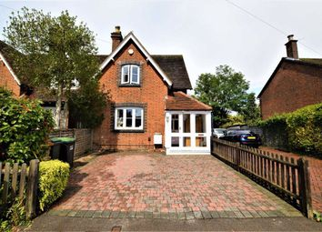 New Road, Croxley Green, Rickmansworth Hertfordshire WD3. 3 bed semi-detached house