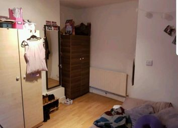 Thumbnail Room to rent in Conningham, White City