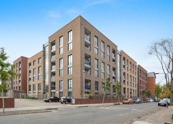 Thumbnail 2 bed flat for sale in Silwood Street, Surrey Quays, London