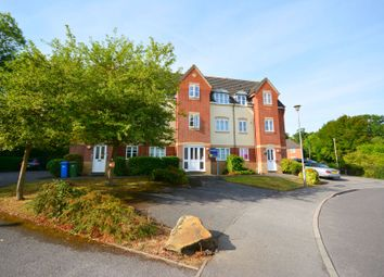 Thumbnail 2 bed flat to rent in Hitherhooks Hill, Binfield