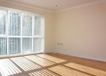 Thumbnail 2 bed flat to rent in Turnpike Link, East Croydon, Surrey