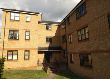 Thumbnail 1 bed flat to rent in Lovegrove Drive, Slough