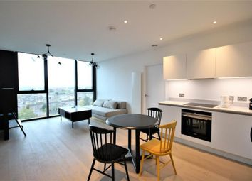 Thumbnail 1 bed flat to rent in Highgate Hill, Archway, London