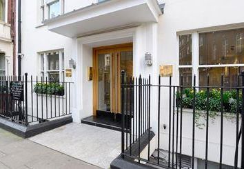 Property to rent in Hill Street, London W1J