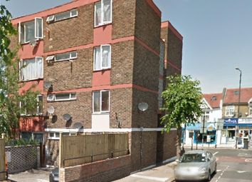 Thumbnail 2 bedroom flat to rent in Gillett Avenue, London